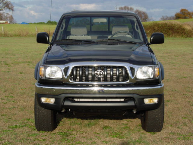 Toyota Tacoma 2002 photo - 4