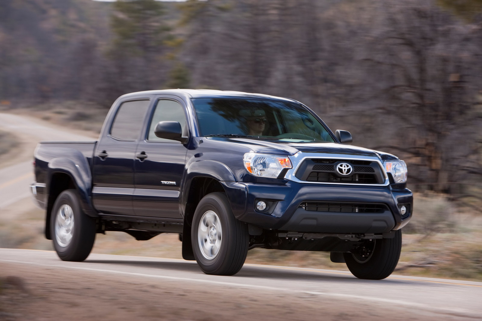 Toyota Tacoma 2012 photo - 2