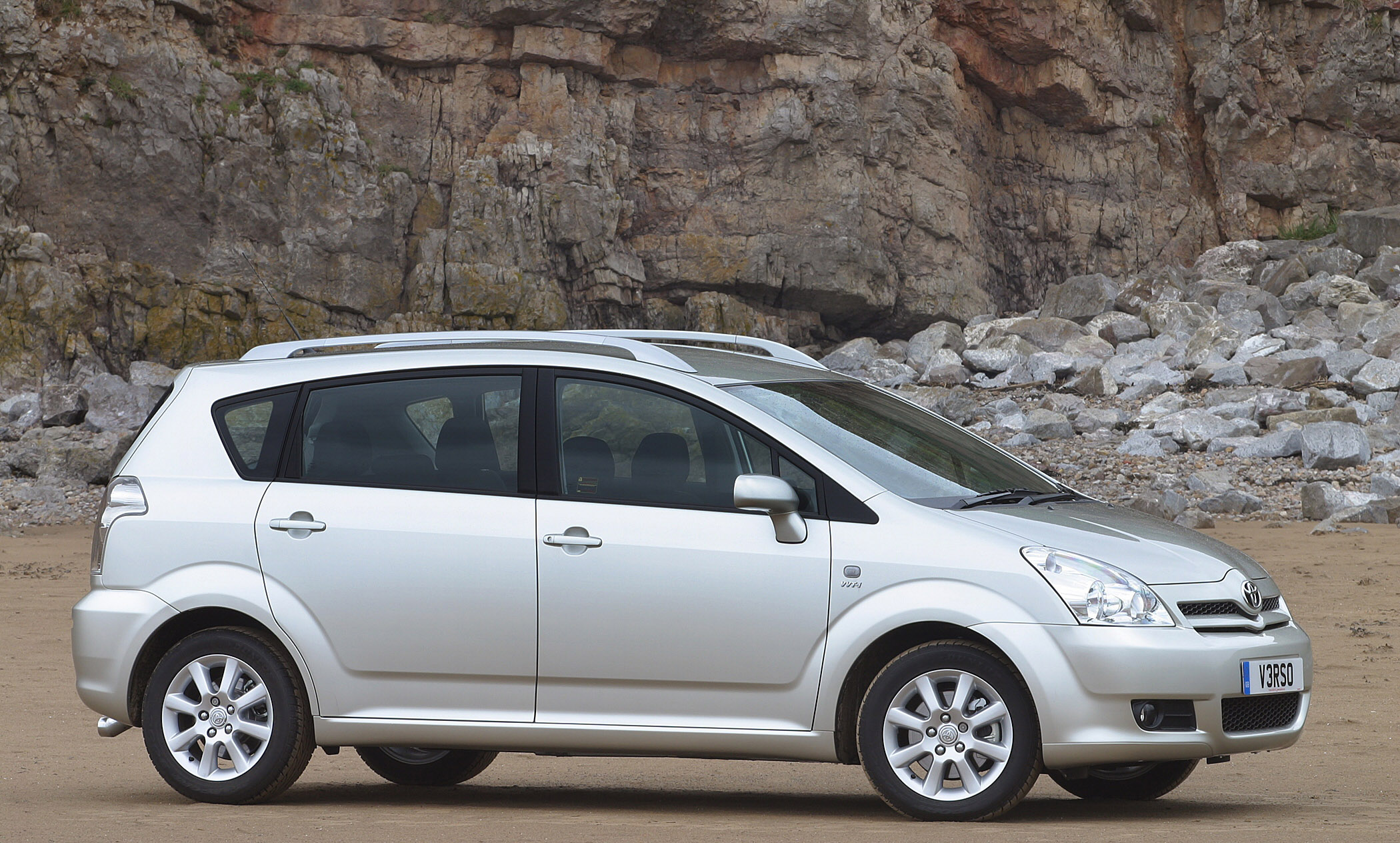 2008 Toyota Corolla Verso - Fresh face & 2.2Diesel with DPF
