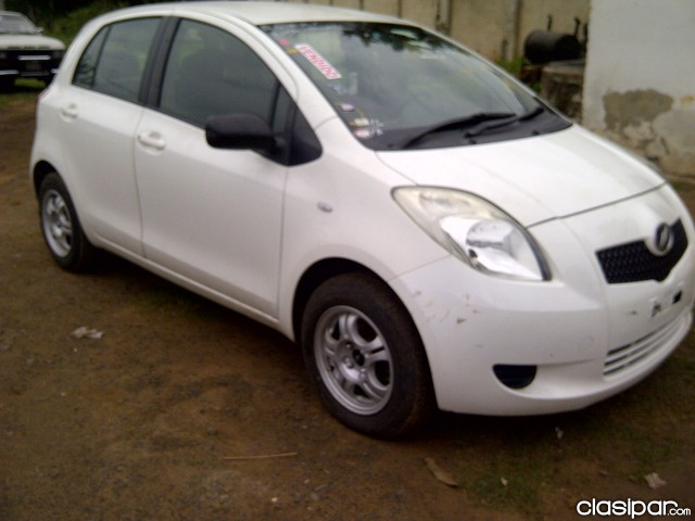 Toyota Vitz 2005 photo - 5