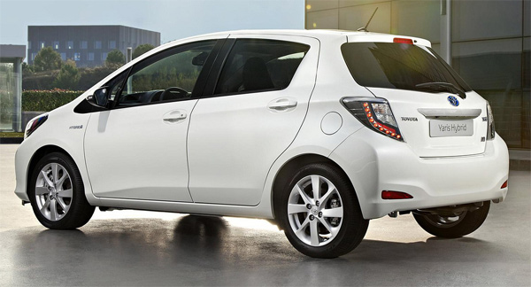 Toyota vitz 2013 photo - 5