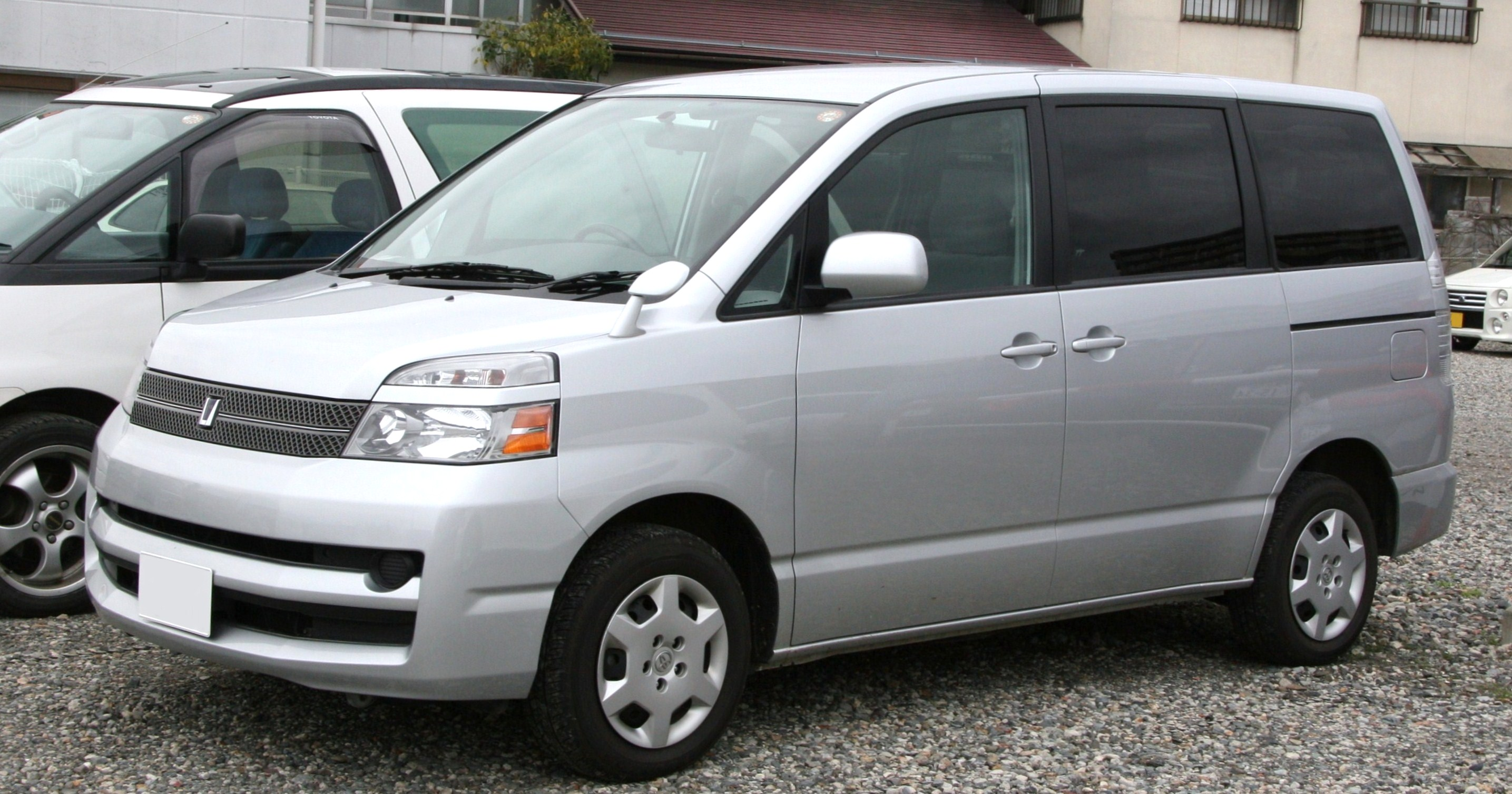 Toyota Voxy 2007 photo - 1