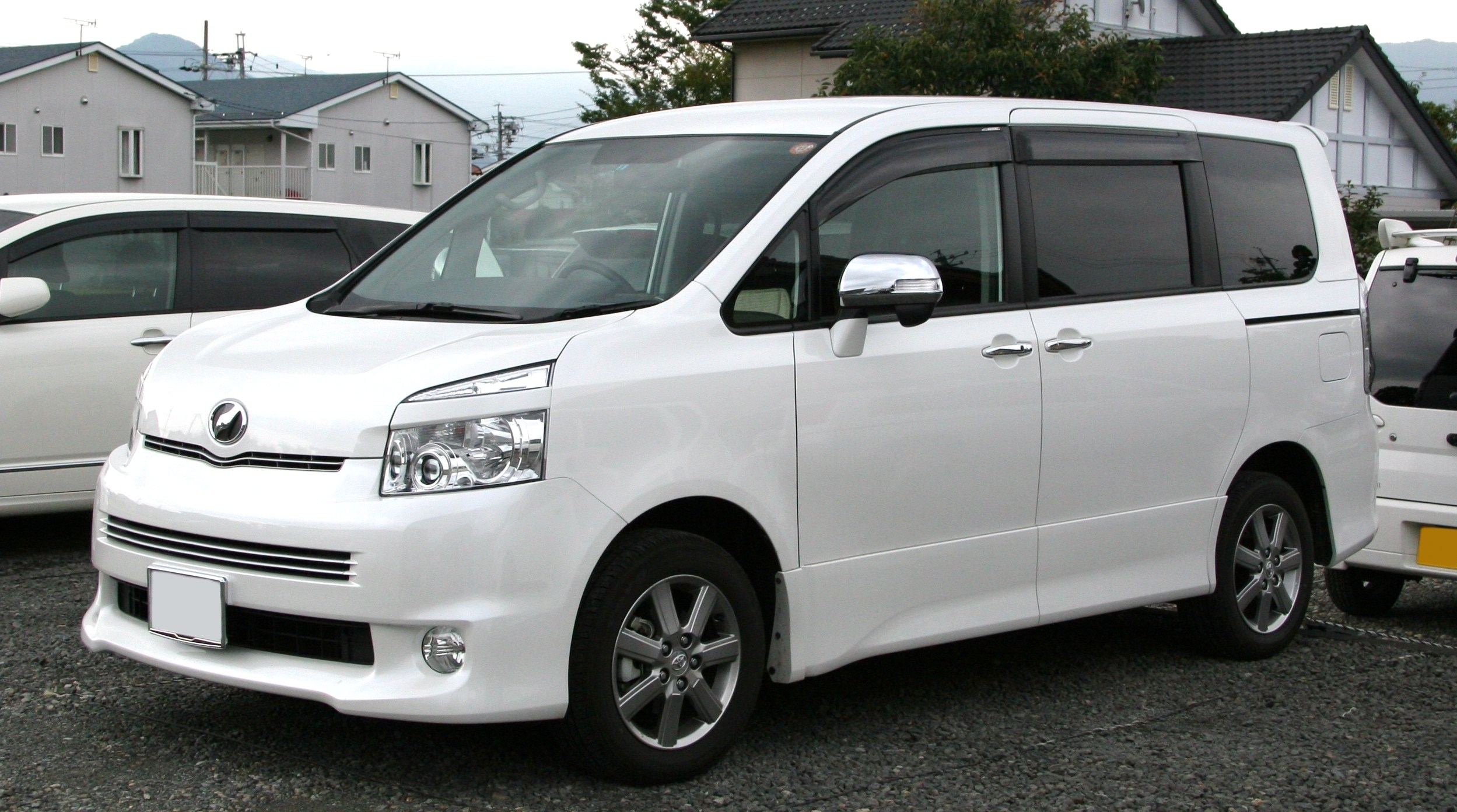 Toyota Voxy 2007 photo - 4