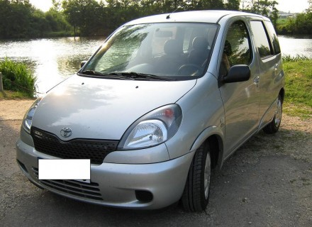Toyota Yaris Verso 2005 photo - 3