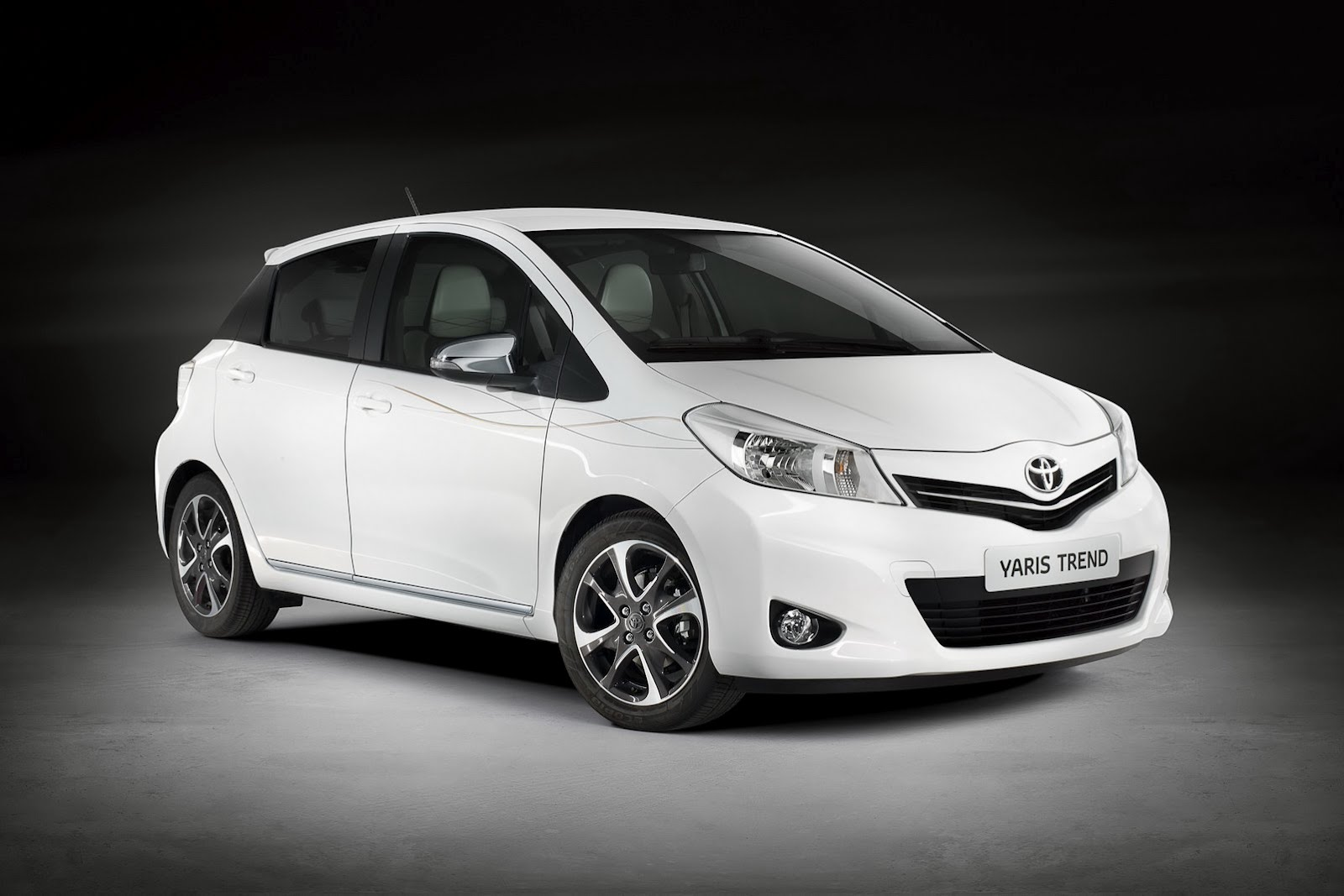 Other Photos To Toyota Yaris Verso 2009