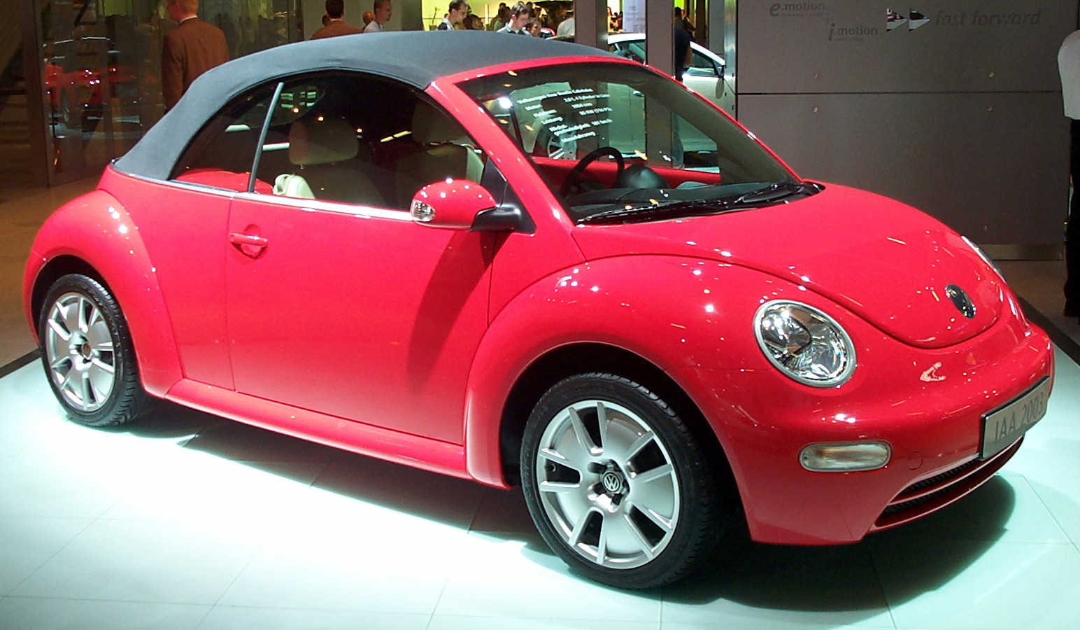 Volkswagen Beetle 2000 photo - 3
