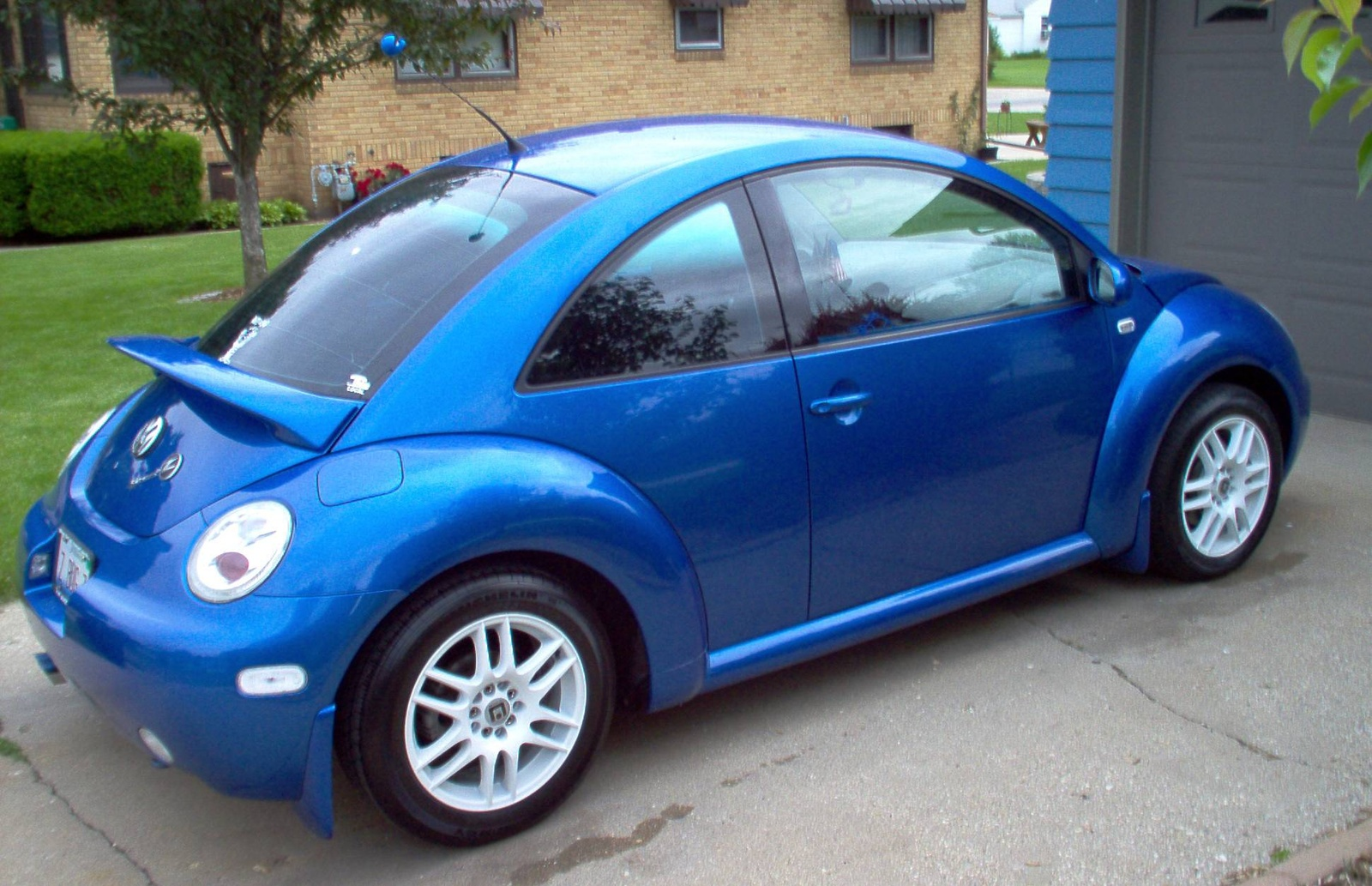 Volkswagen Beetle 2004 photo - 3