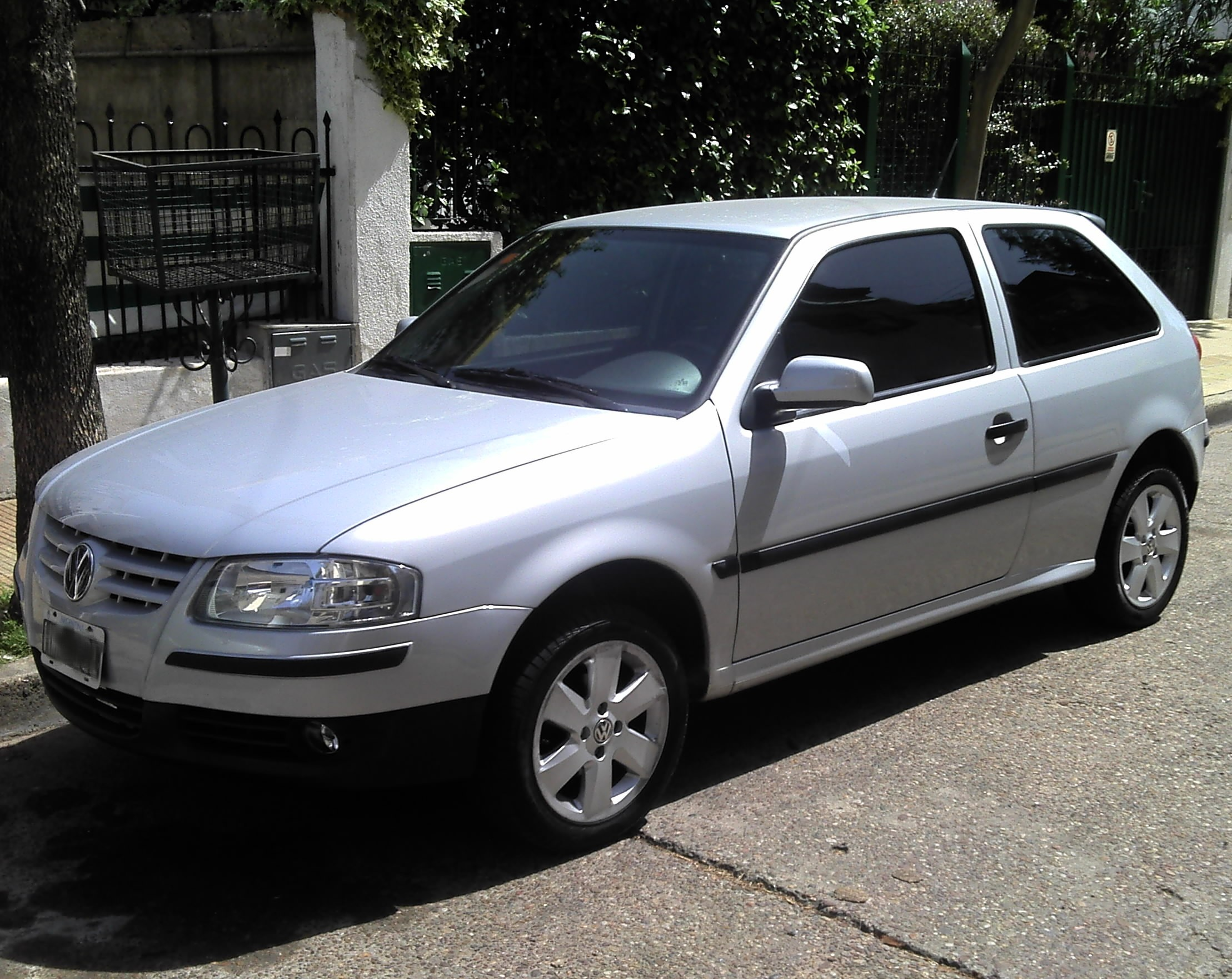 Volkswagen Gol 2002 photo - 3