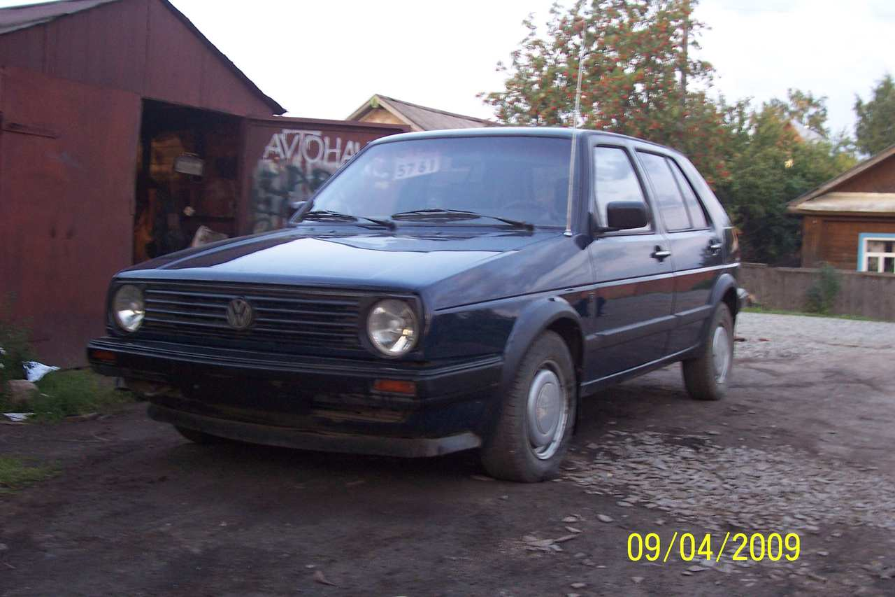 Volkswagen Golf 1989 photo - 1
