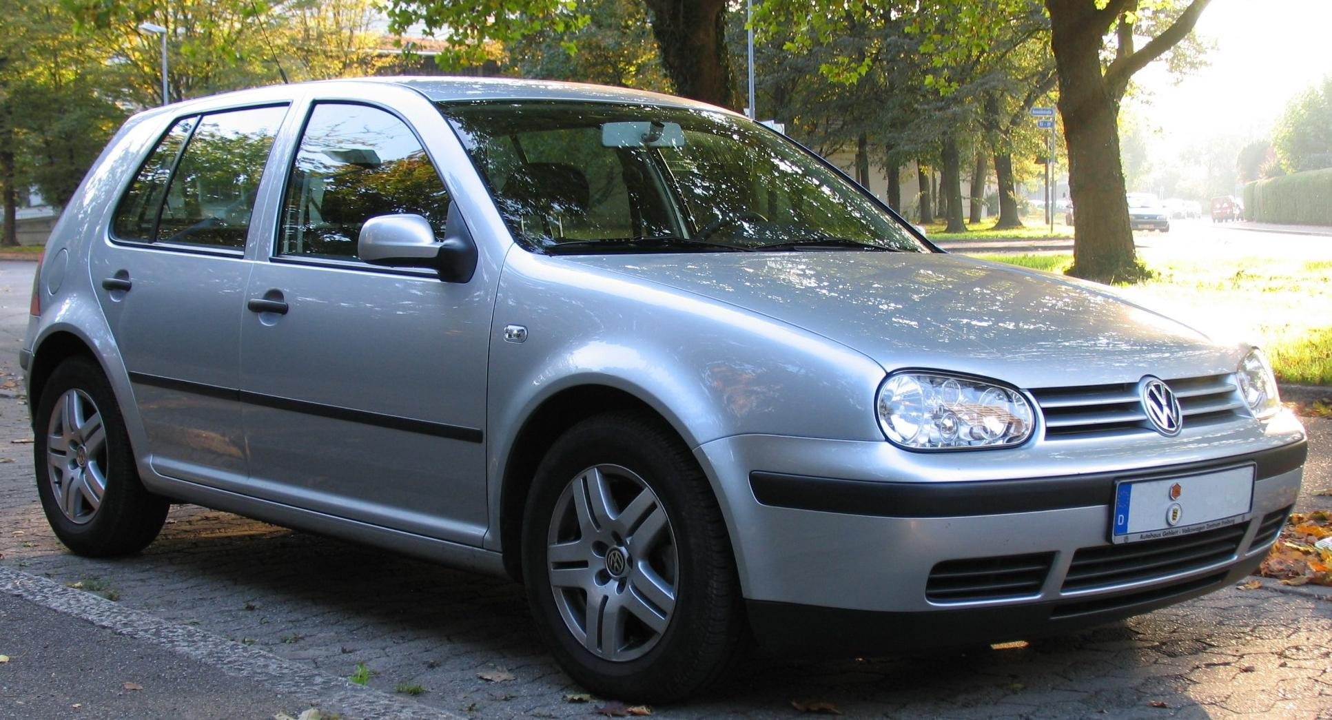 Volkswagen Golf 2004 photo - 2