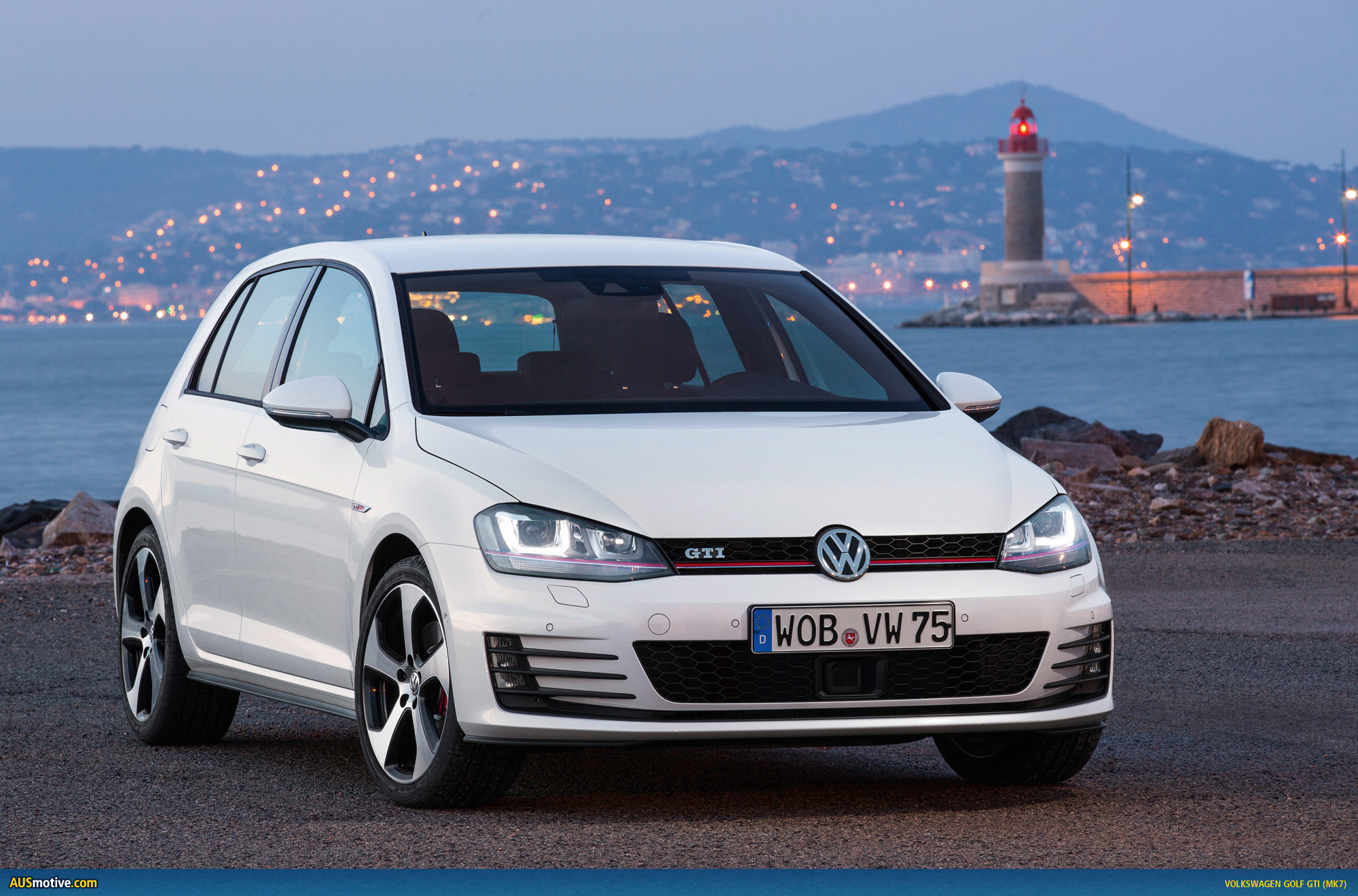 Volkswagen Golf Variant 2015 photo - 2