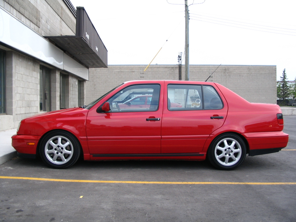Volkswagen Jetta 2002 photo - 1