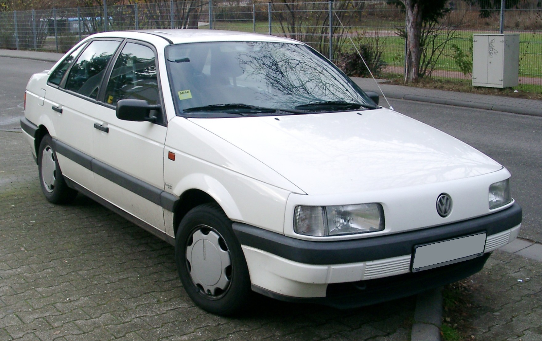 Volkswagen Passat 1988 photo - 1