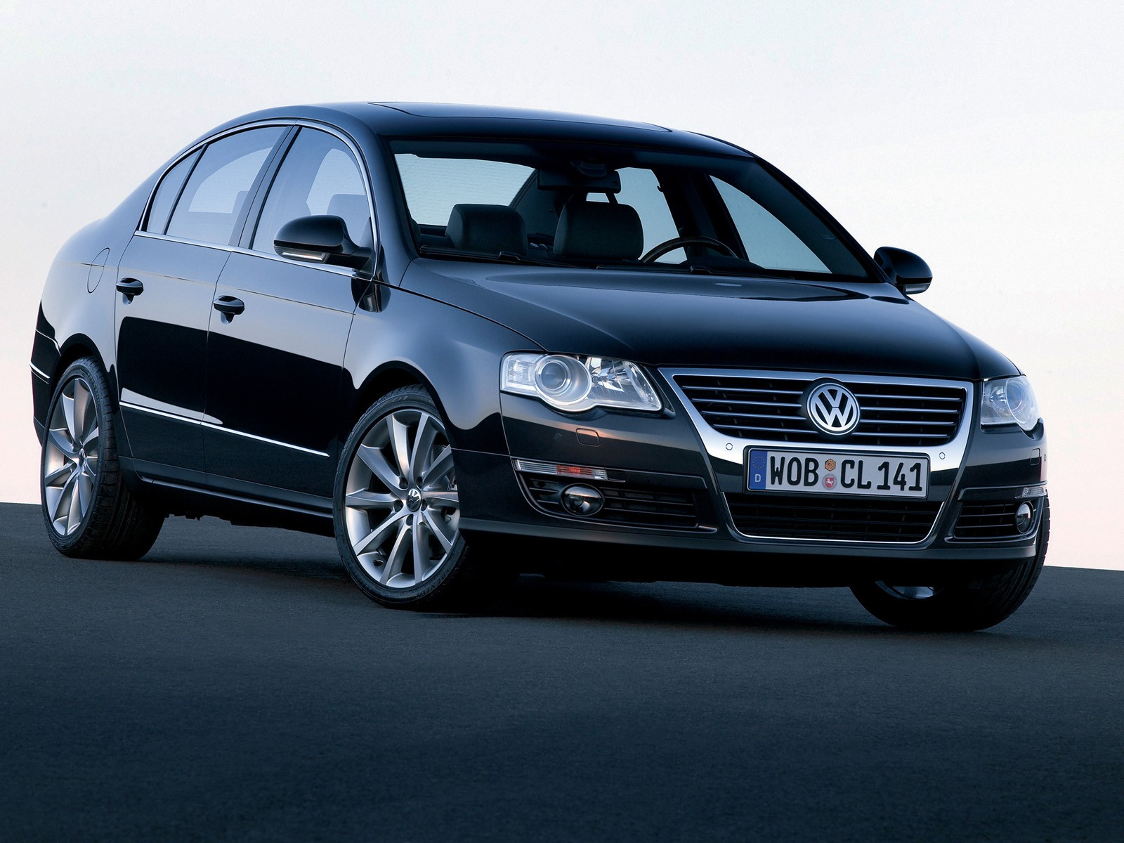 Volkswagen Passat 2006 photo - 2