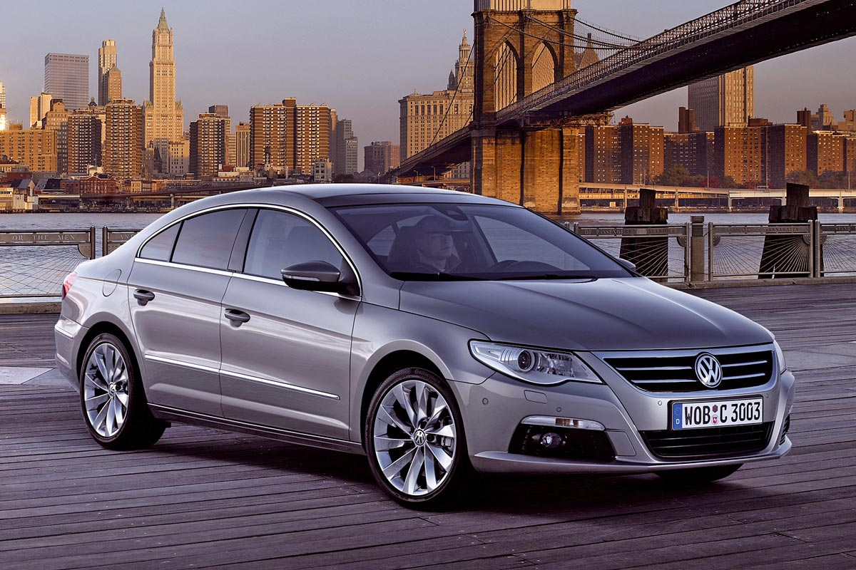 Volkswagen Passat 2010 photo - 2