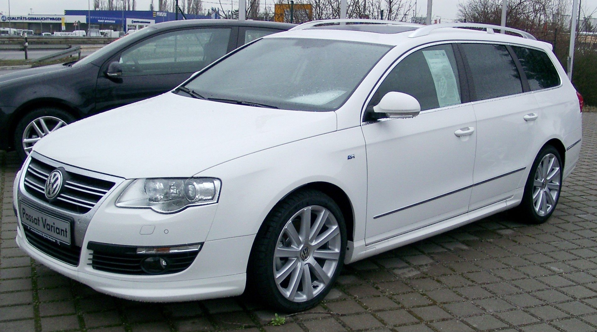 Volkswagen Passat Variant 2008 photo - 2