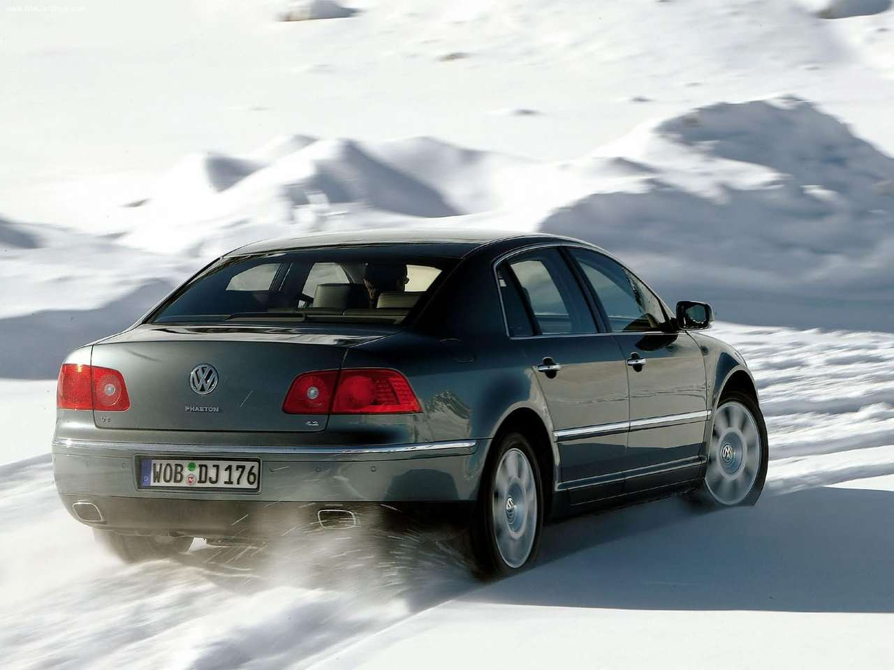 Volkswagen phaeton 2004 photo - 2