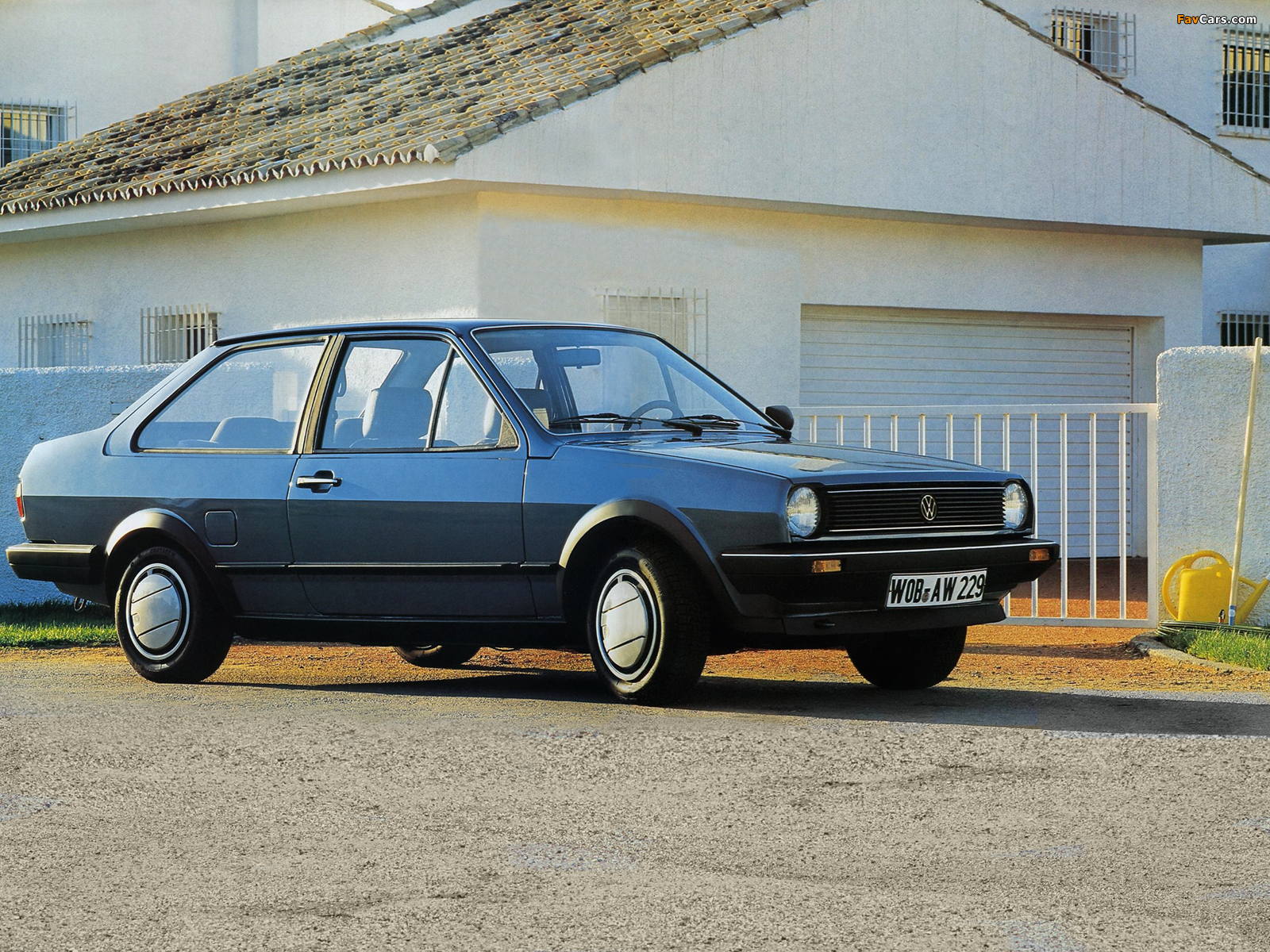 Volkswagen Polo 1985 photo - 2