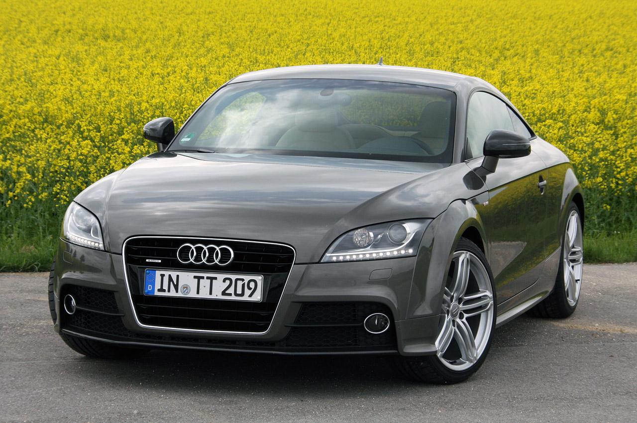 Audi TTS 2011 Photo - 1