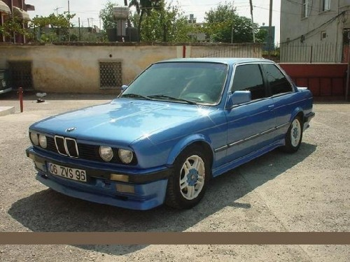 BMW 323i 1983 Photo - 1