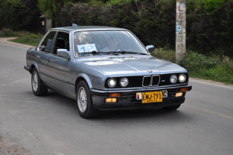 BMW 323i 1984 Photo - 1