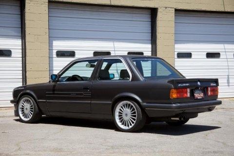 BMW 323i 1985 Photo - 1