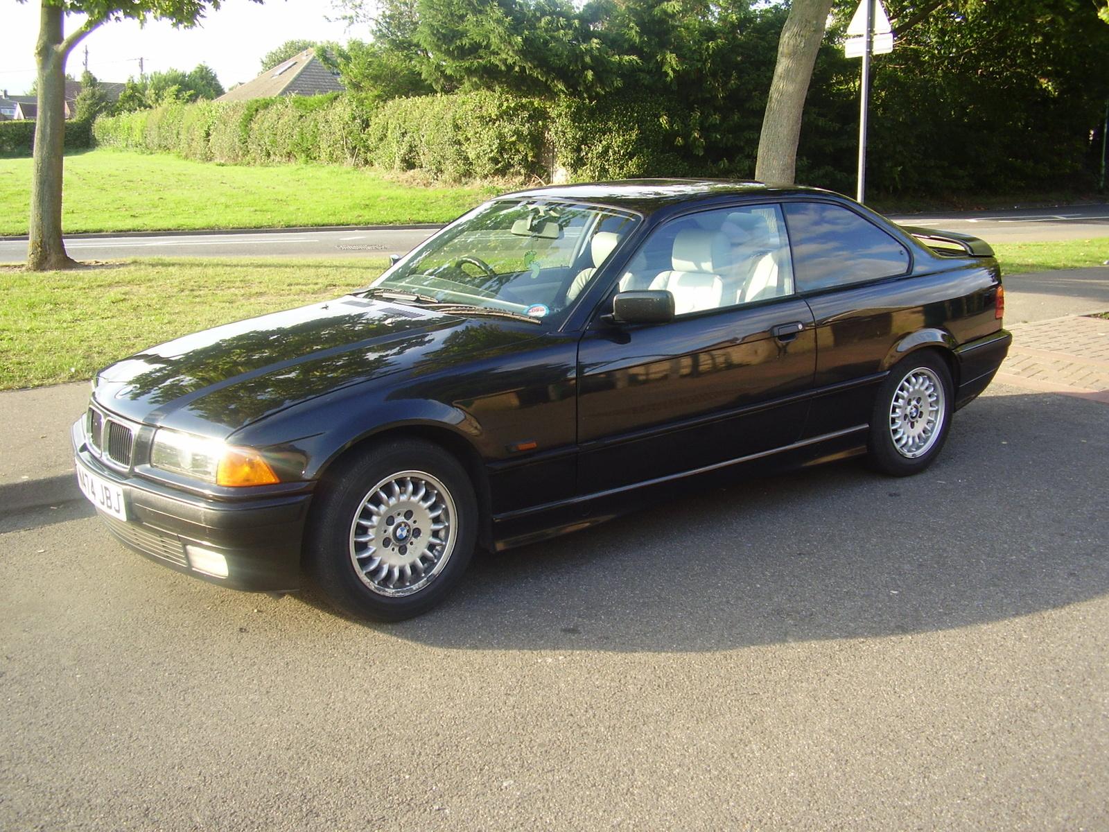 BMW 323i 1995 Photo - 1