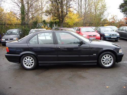 BMW 323i 1998 Photo - 1
