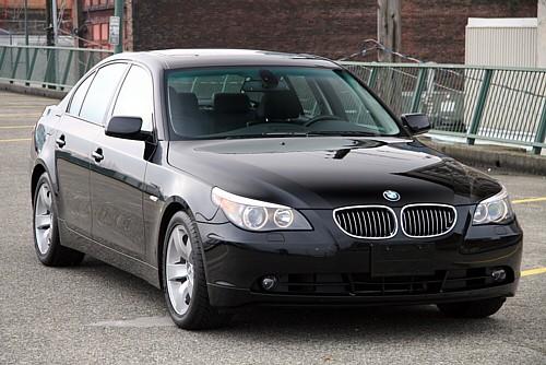 BMW 525i 2010 Photo - 1