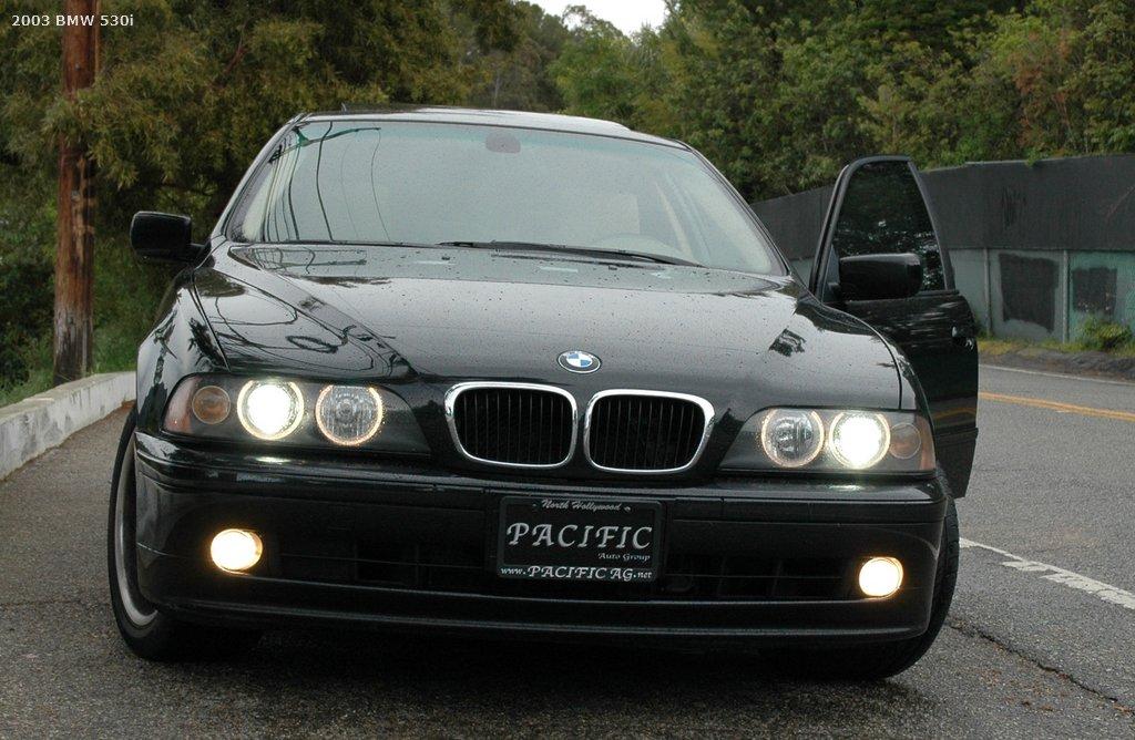 BMW 528i 2003 Photo - 1