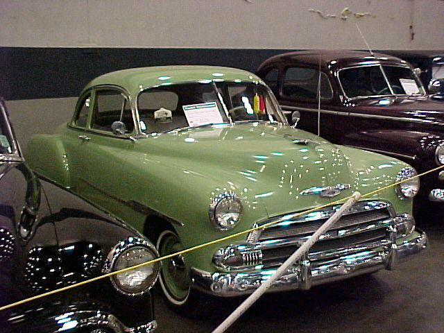 Chevrolet Coupe 1951 Photo - 1