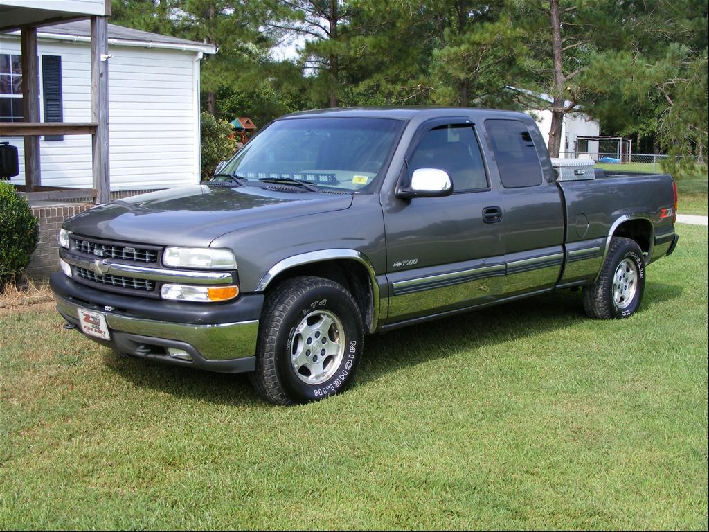 Chevrolet Silverado 2000 Photo - 1