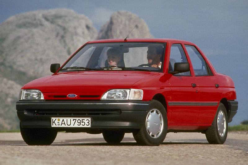 Ford Orion 1990 Photo - 1