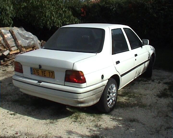 Ford Orion 1991 Photo - 1