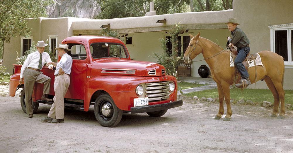 Ford Pickup 1948 Photo - 1