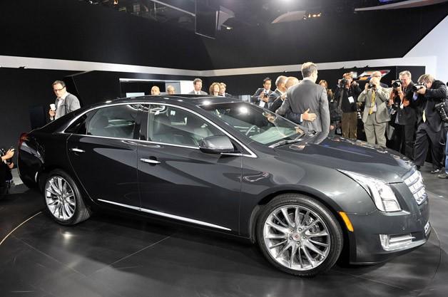 Cadillac XTS 2013 Photo - 1