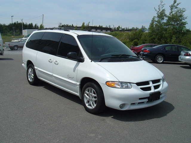 Dodge Van 2000 Photo - 1