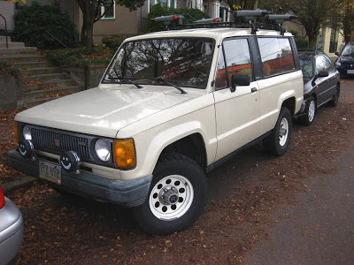 Isuzu Trooper 1985 Photo - 1