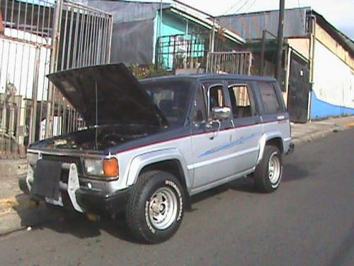 Isuzu Trooper 1987 Photo - 1