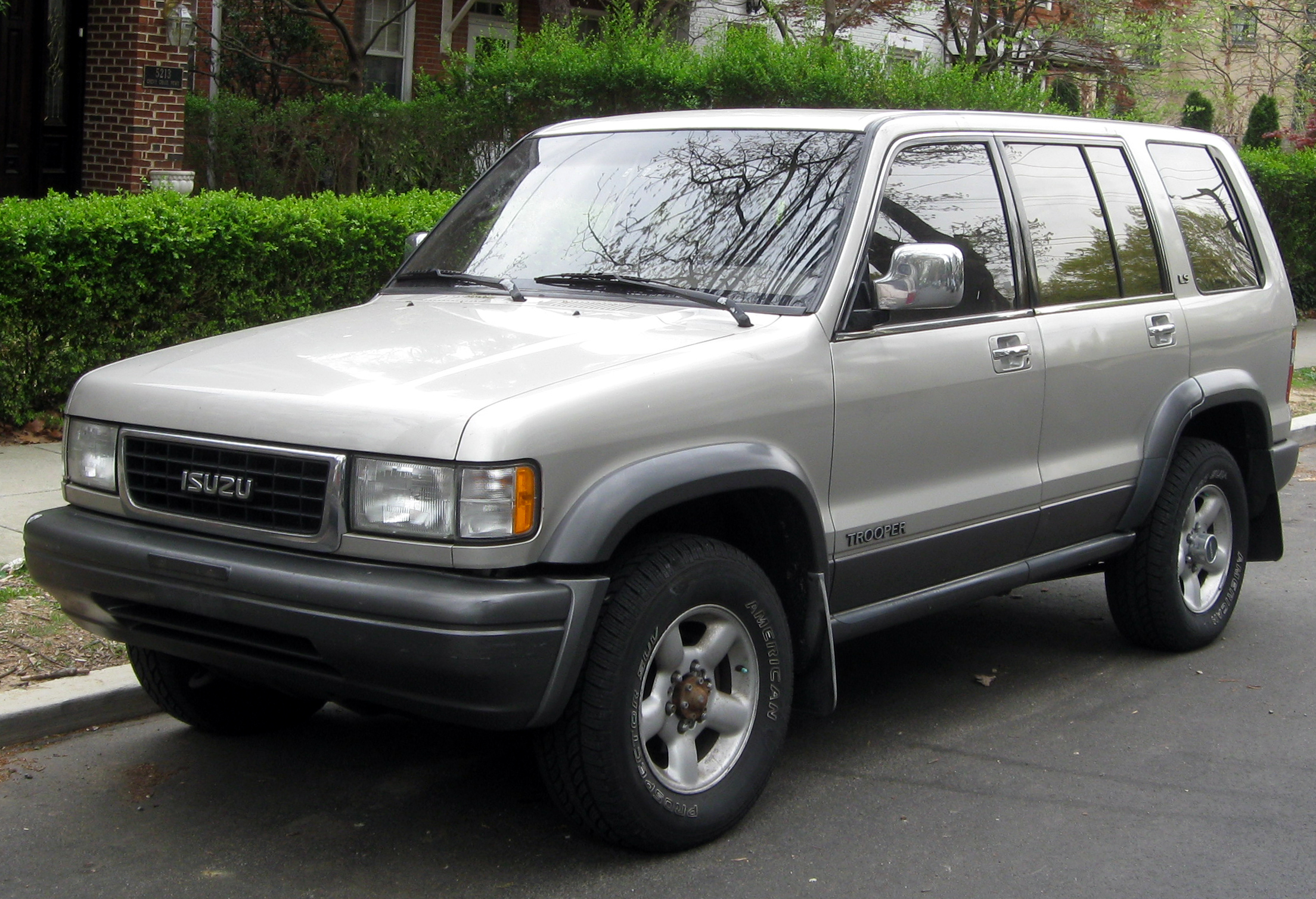 Isuzu Trooper 2005 Photo - 1