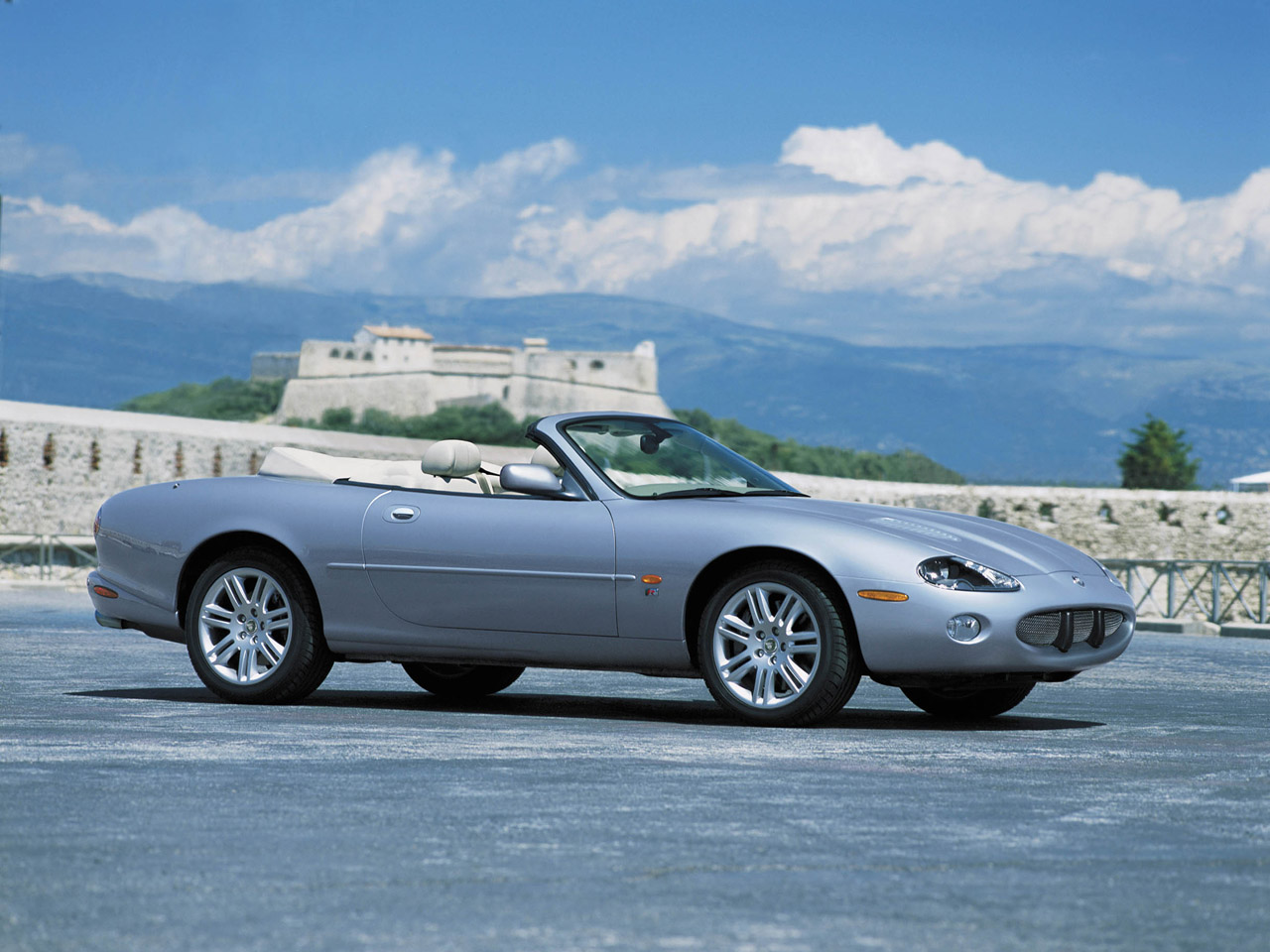 Jaguar XKR 2003 Photo - 1
