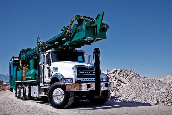 Mack Granite 2014 Photo - 1