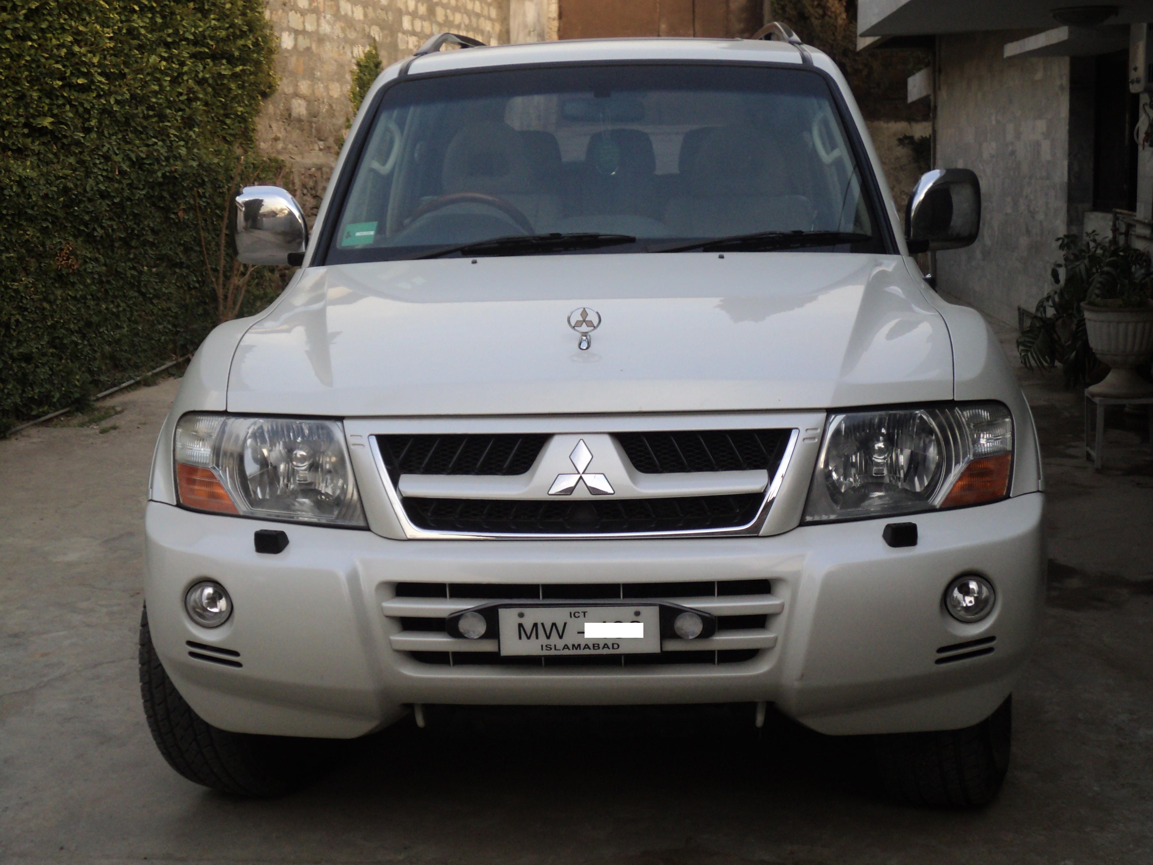 Mitsubishi Pajero 2005 Photo - 1