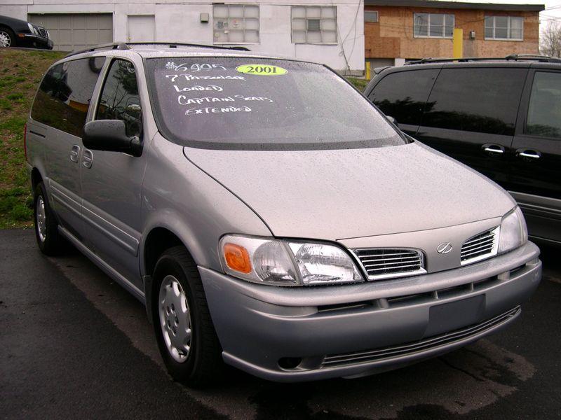 Oldsmobile Silhouette 2001 Photo - 1