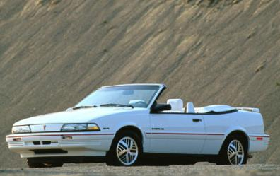 Pontiac Sunbird 1980 Photo - 1
