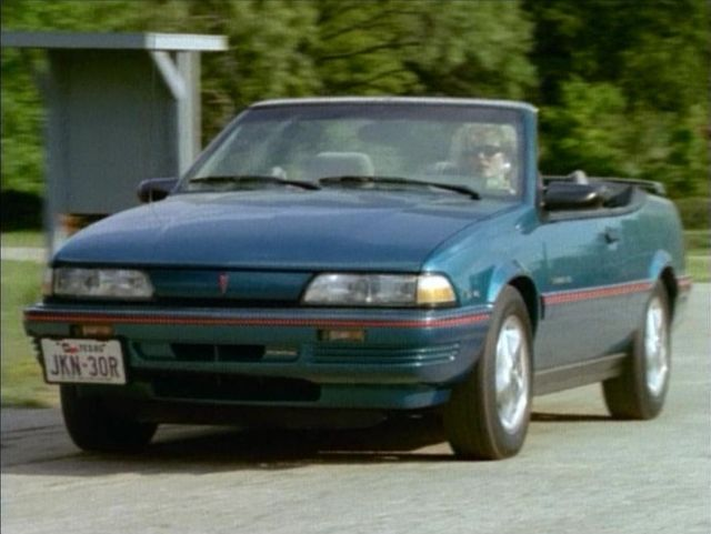 Pontiac Sunbird 1993 Photo - 1