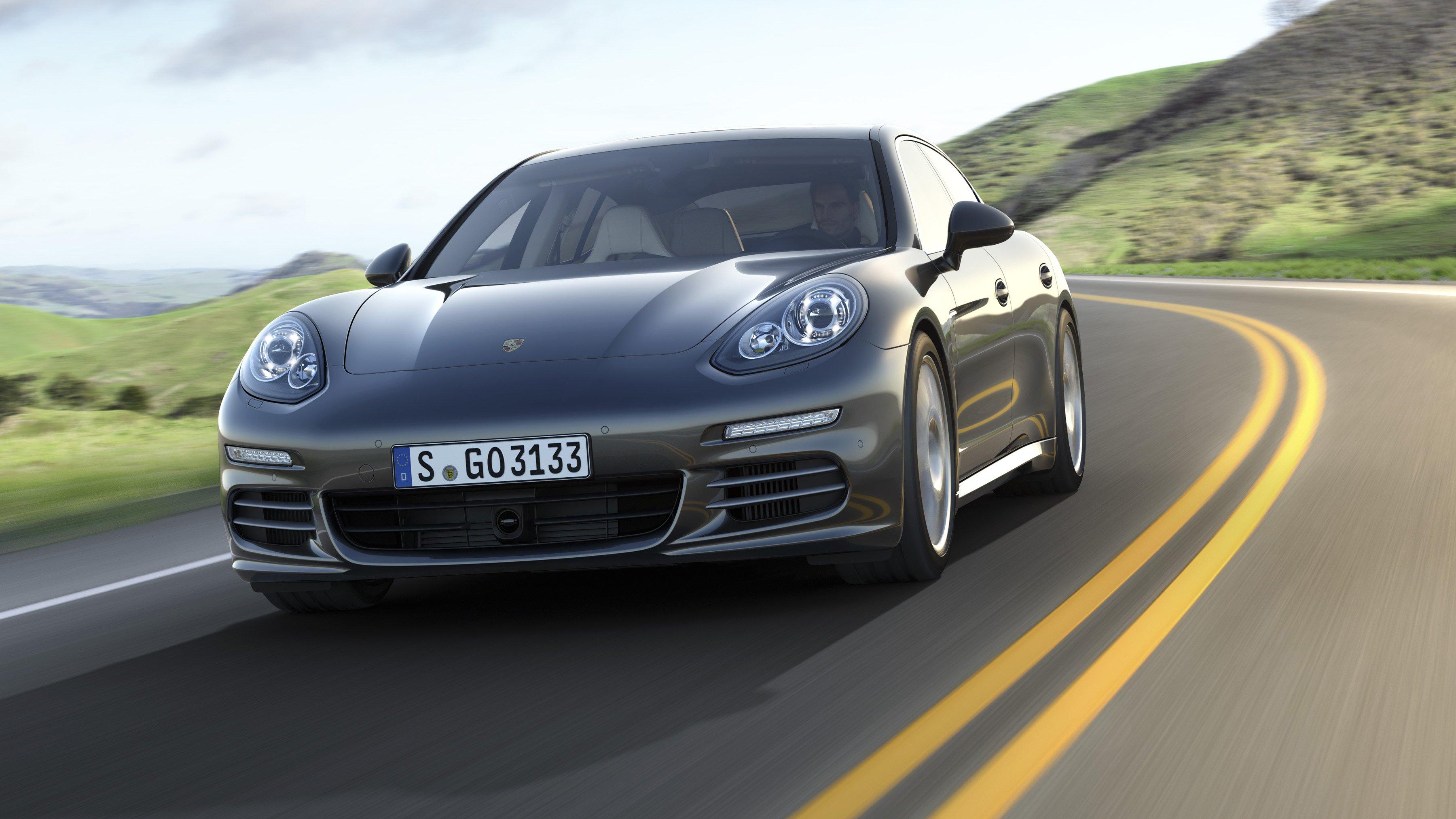 Porsche Panamera Turbo 2014 Photo - 1
