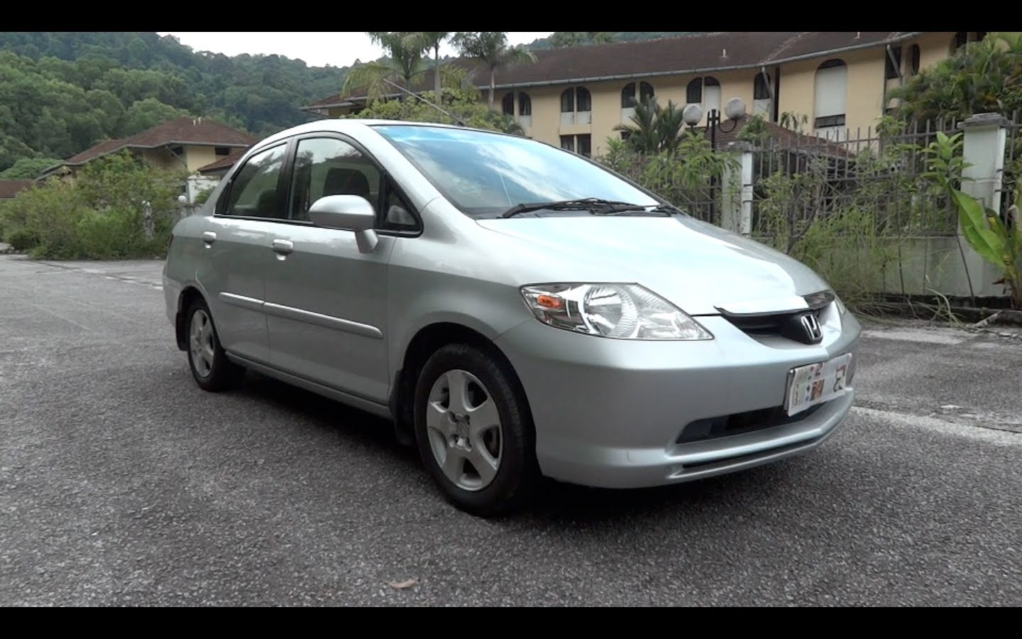 Honda City 2004: Review, Amazing Pictures and Images - Look at the car