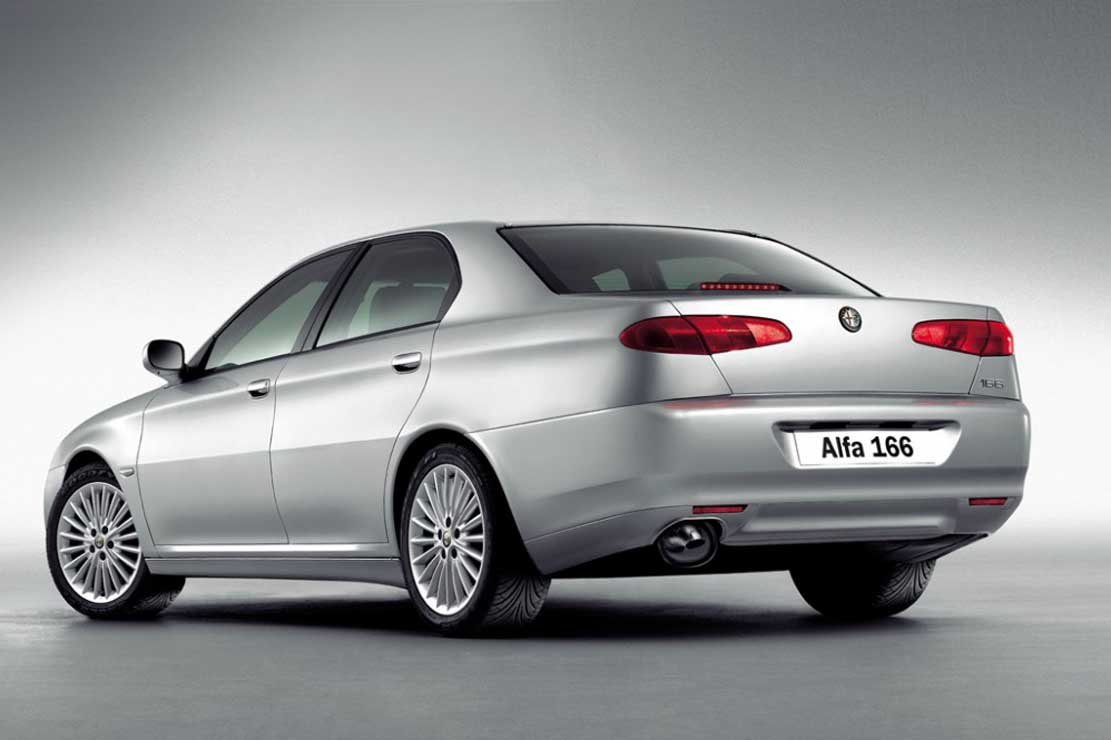 Alfa Romeo 166 2005 photo - 1