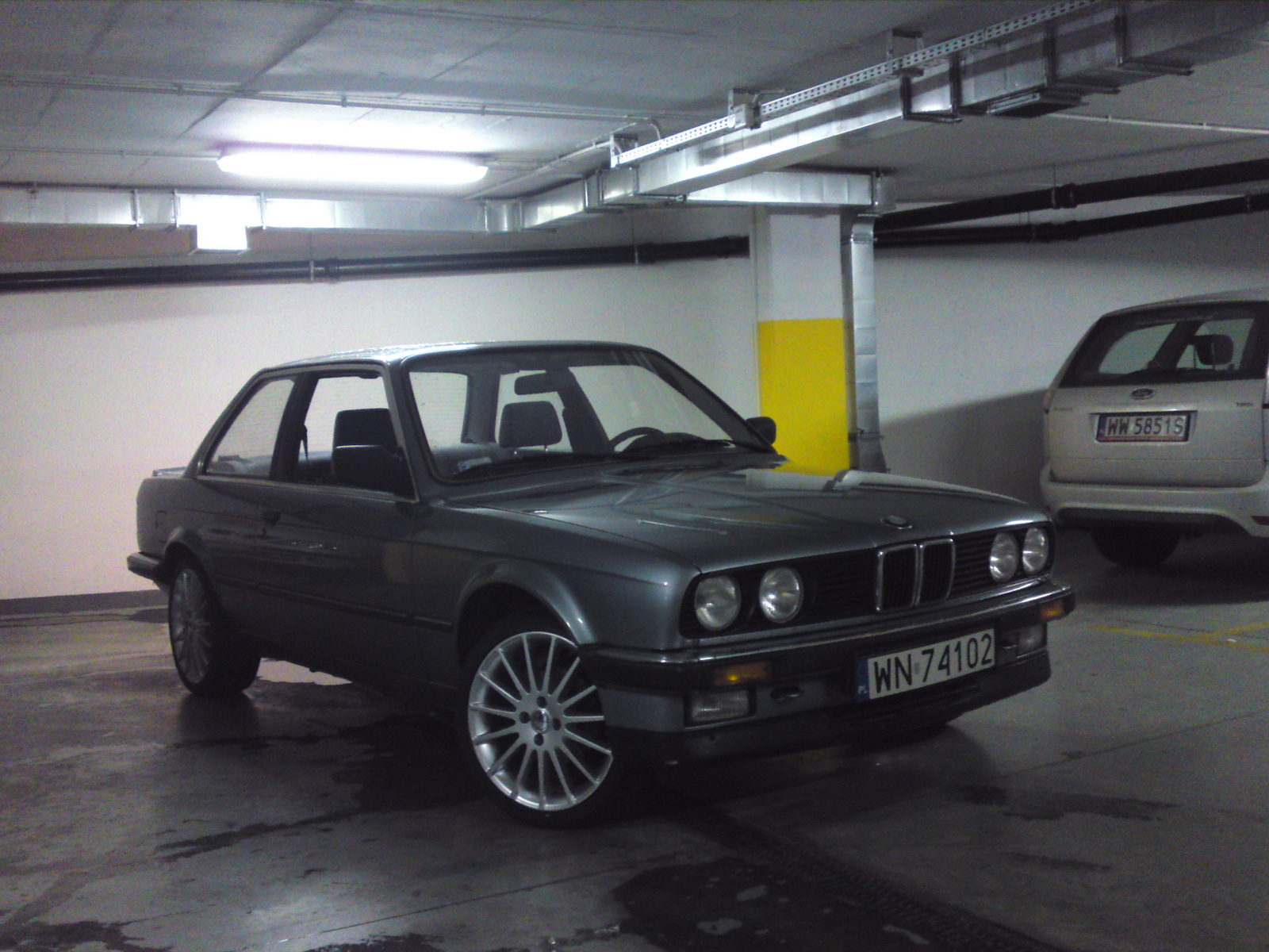 BMW 3-series 1986 photo - 1